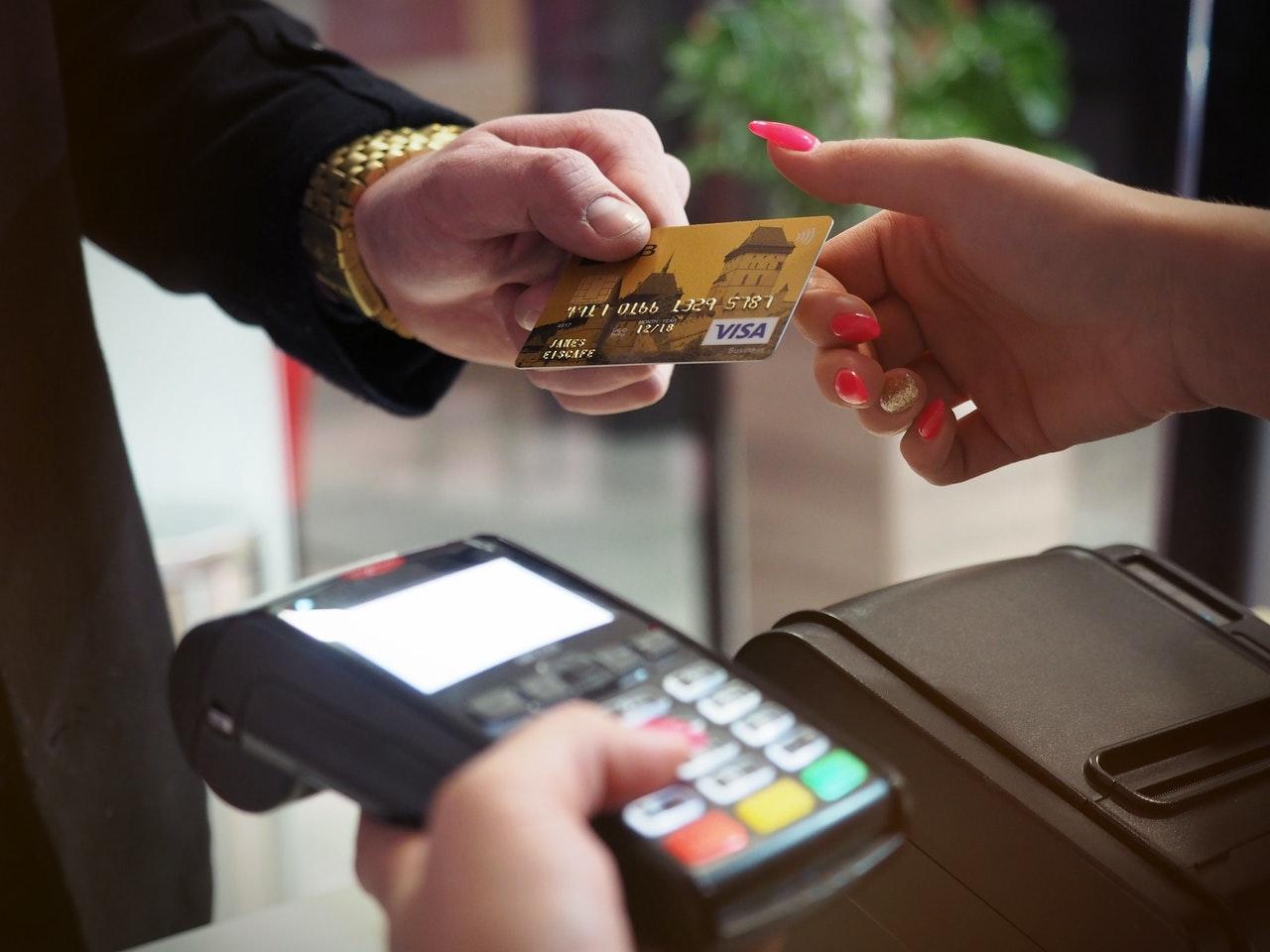 Betale med kort